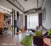 开放式客餐厅 因应屋主的喜好,澄月室内设计拿掉原始线板,改以灯具、天花板线条加入铁件元素,佐以木质地板与家具,带出温馨不失个性的工业风。