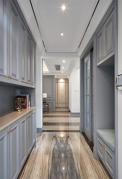 玄关图片来自家装大管家在106平现代美式3居 舒适休闲世界的分享
