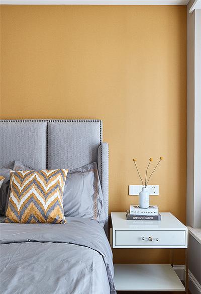 卧室图片来自家装大管家在106平现代美式3居 舒适休闲世界的分享