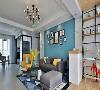 整屋用了蓝色调,既能夺人眼球,又清新自然,黄色沙发椅做全屋的点缀。