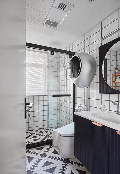 卫生间图片来自家装大管家在舒适舒心 86平北欧素雅二人世界的分享