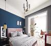 主卧延续温柔轻奢风,以蓝粉灰白作空间主色调,纳入小阳台,扩大使用面积,打造浪漫一角