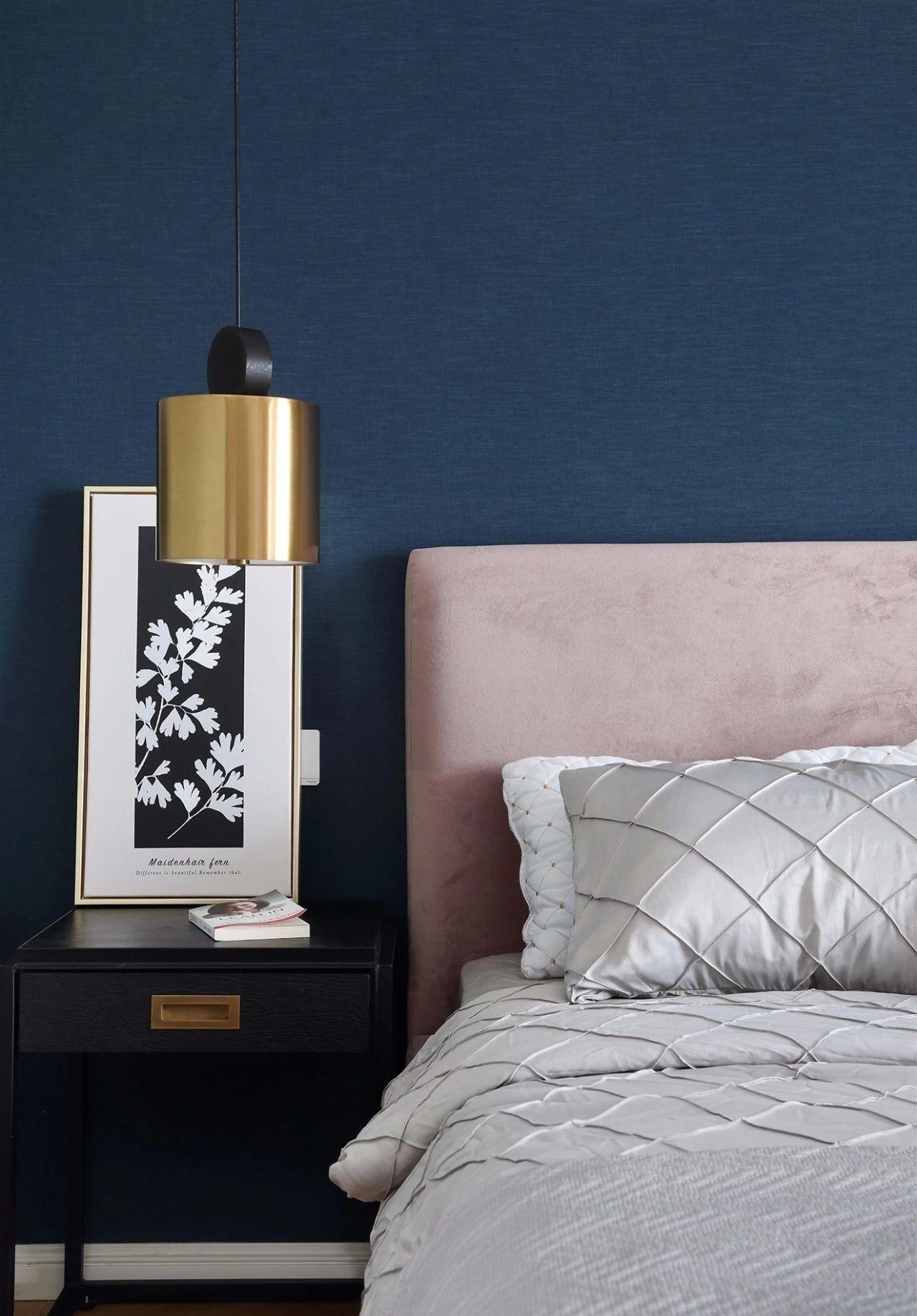 混搭 轻奢 现代 元素 全案设计 卧室图片来自鹏友百年装饰在温柔雅奢INS风的分享