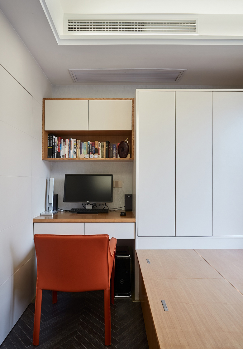 书房图片来自家装大管家在简洁明亮 118平高冷现代时尚3居的分享