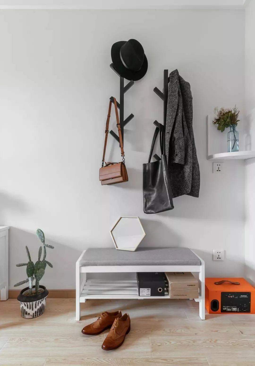 玄关图片来自鹏友百年装饰在北欧公寓,超赞~的分享
