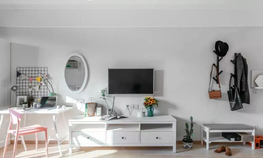 客厅图片来自鹏友百年装饰在北欧公寓,超赞~的分享