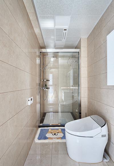 卫生间图片来自家装大管家在128平现代轻奢风3居 雅致有格调的分享