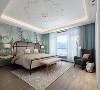 舒适便是最大的奢华所在,背景墙的绿色画奠定了空间的艺术气息,生生不息,让空间瞬间灵动起来。