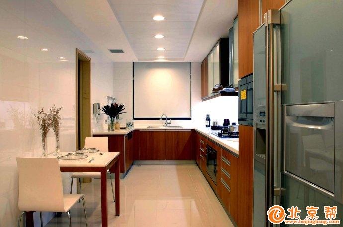 客厅 卧室 餐厅图片来自今朝宜居装饰在港式家居风格的分享