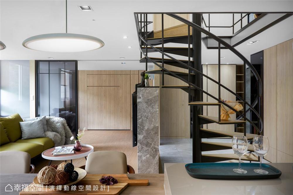 楼梯图片来自幸福空间在139平, 北欧分层斜角屋的分享