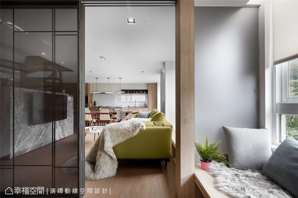 客厅图片来自幸福空间在139平, 北欧分层斜角屋的分享