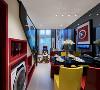 从客厅到餐厅,延续了空间风格和色调的统一,既注重时尚艺术气质的营造,同时又不失趣味性。