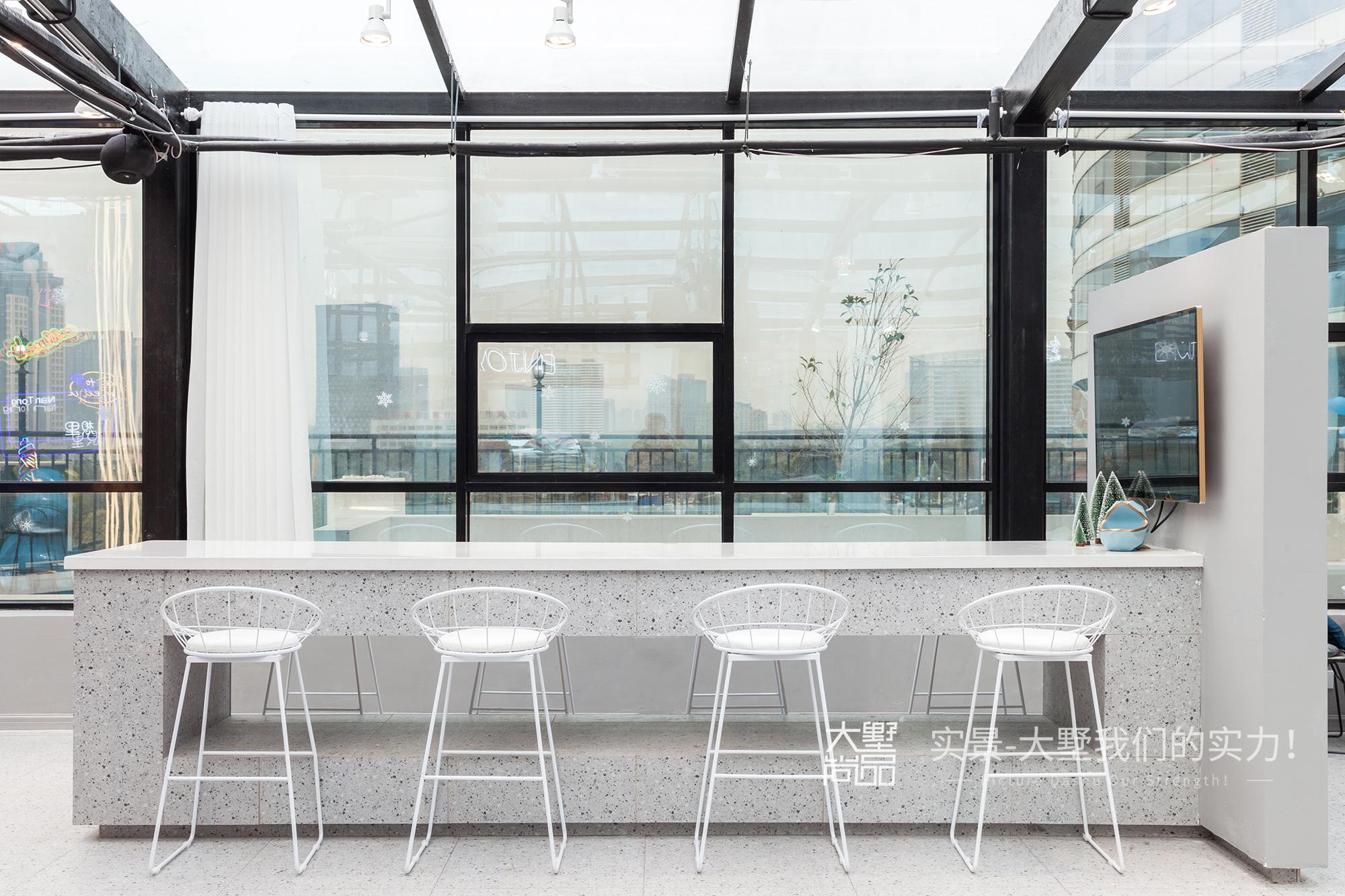 玻璃房 咖啡馆 餐厅图片来自大墅尚品-由伟壮设计在想里·在玻璃房享受阳光和美味的分享