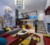 客厅挑空处理让上下层空间形成对话与互动,整体空间显得更为开阔大气。