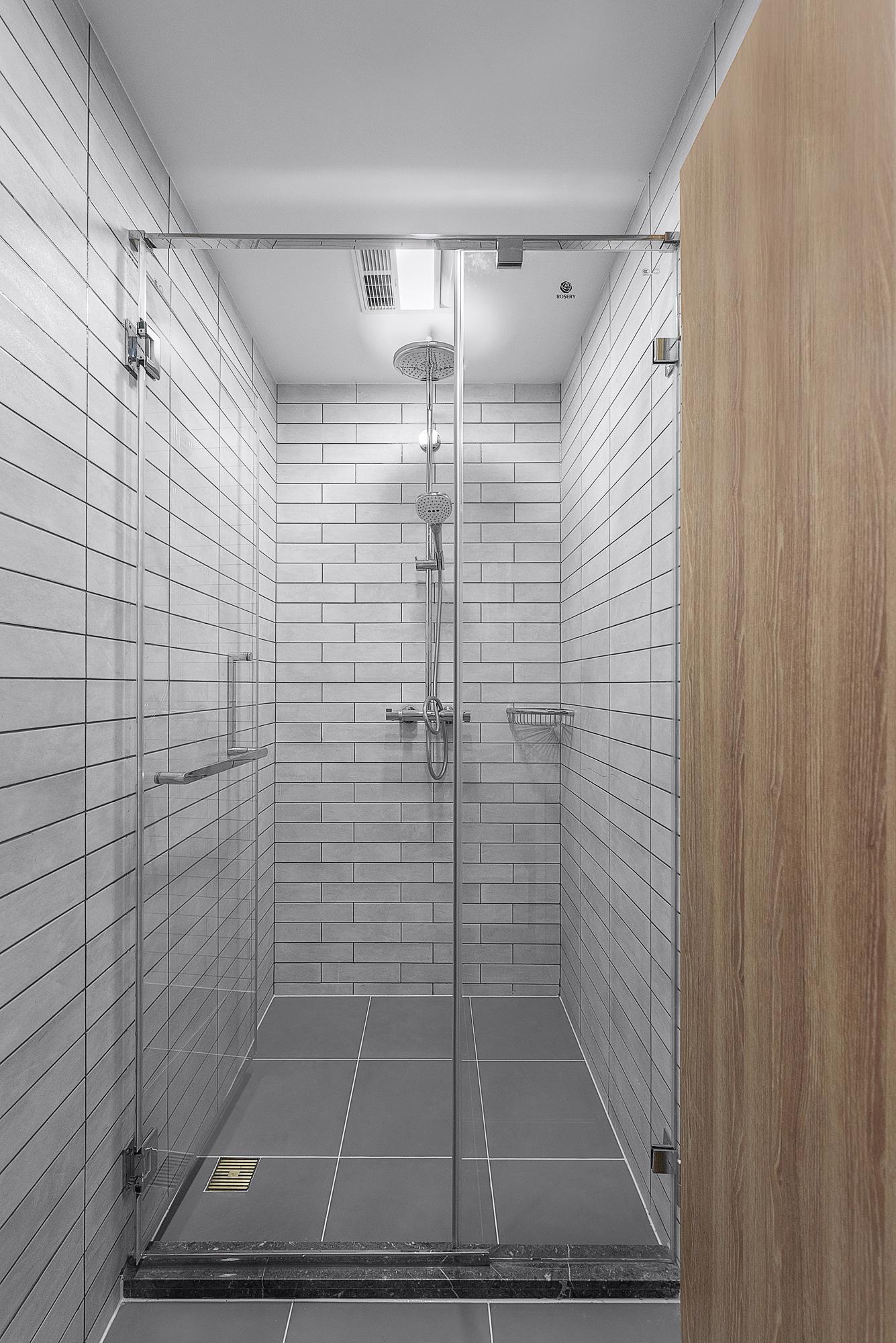 简约 混搭 三居 收纳 旧房改造 小资 卫生间图片来自林上淮·圣奇凯尚装饰在爱家有故事·承载的分享