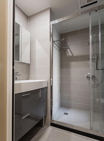 卫生间图片来自家装大管家在寻求真我 100平现代素雅时尚3居的分享