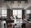 客厅 从餐桌即可望向另一公共空间——客厅,利用自然光线的明亮特色,诠释屋内的舒适与清新氛围。