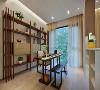 茶室也是书房空间,深木色茶桌搭配长板凳,在这边沏茶,那边品茶,客人比较多也不会显得局促。同时还利用沙发墙做了嵌入式的收纳,更加实用。