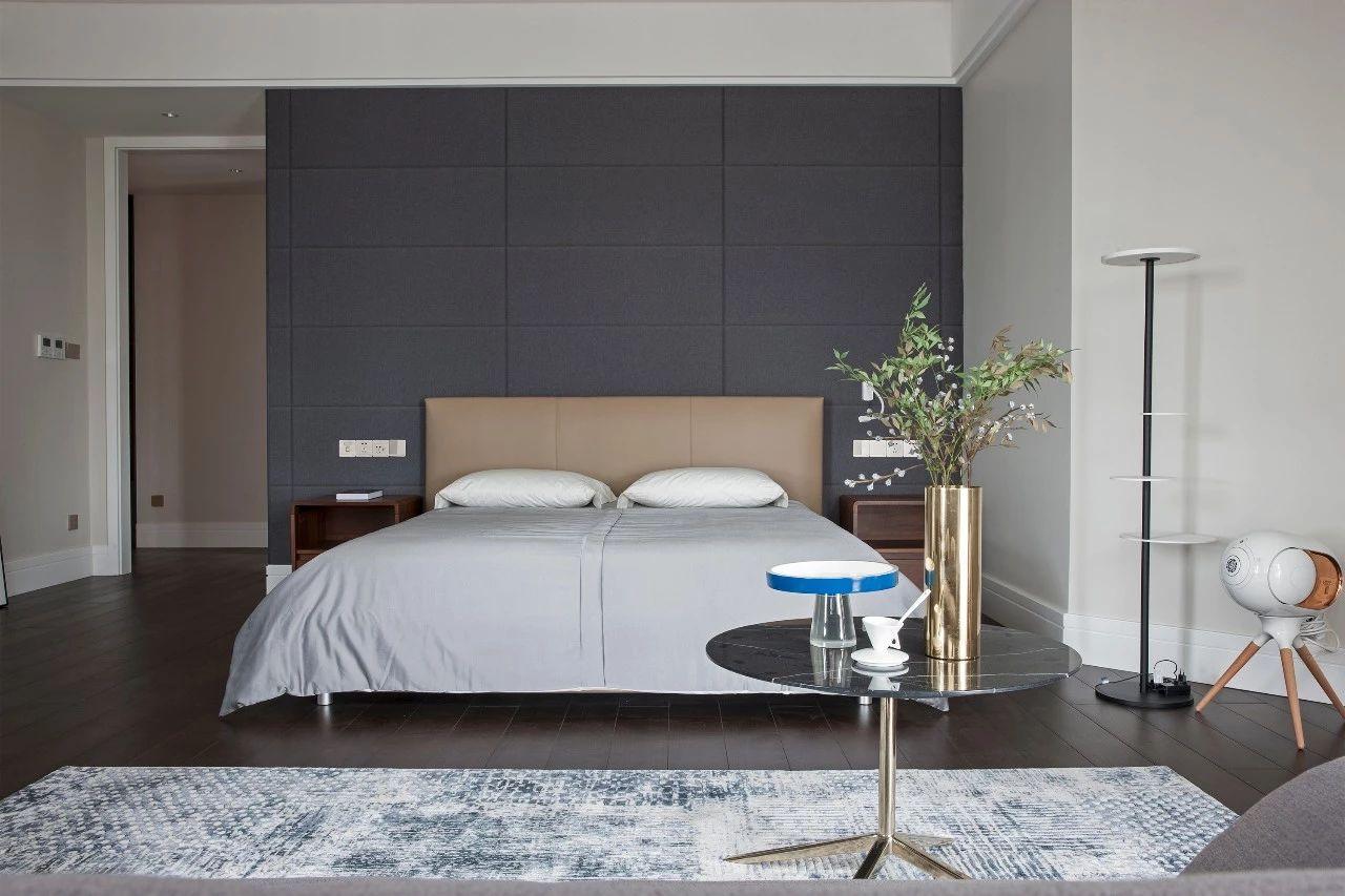 轻奢 混搭 重庆家装 全案设计 鹏友百年 卧室图片来自鹏友百年装饰在优雅深灰蓝打造轻奢形制的分享