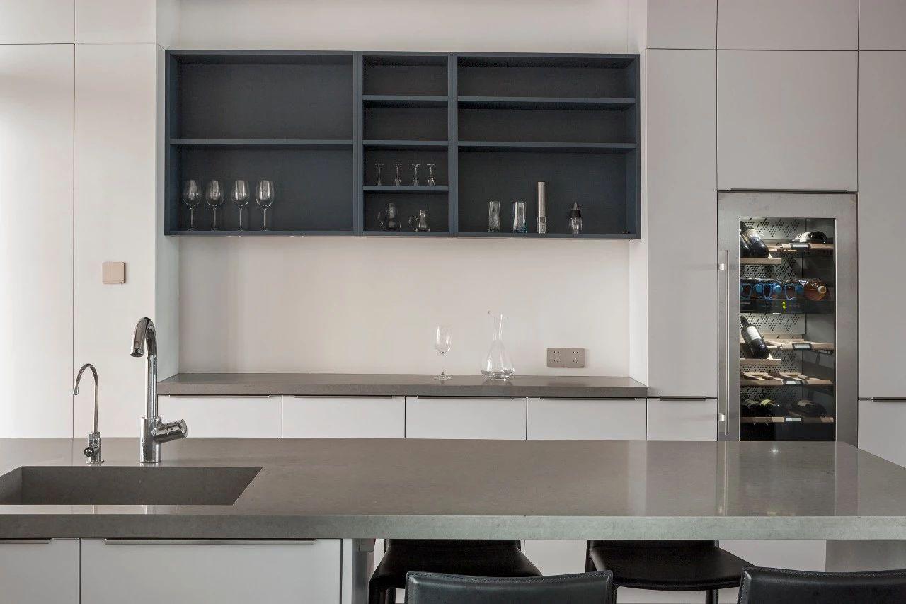 轻奢 混搭 重庆家装 全案设计 鹏友百年 厨房图片来自鹏友百年装饰在优雅深灰蓝打造轻奢形制的分享