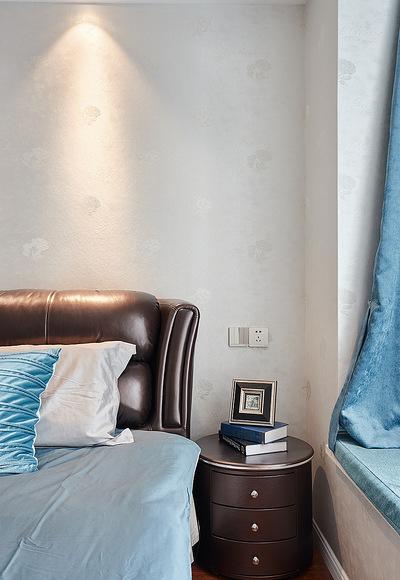 卧室图片来自家装大管家在84平简约美式两居 前卫又大气的分享