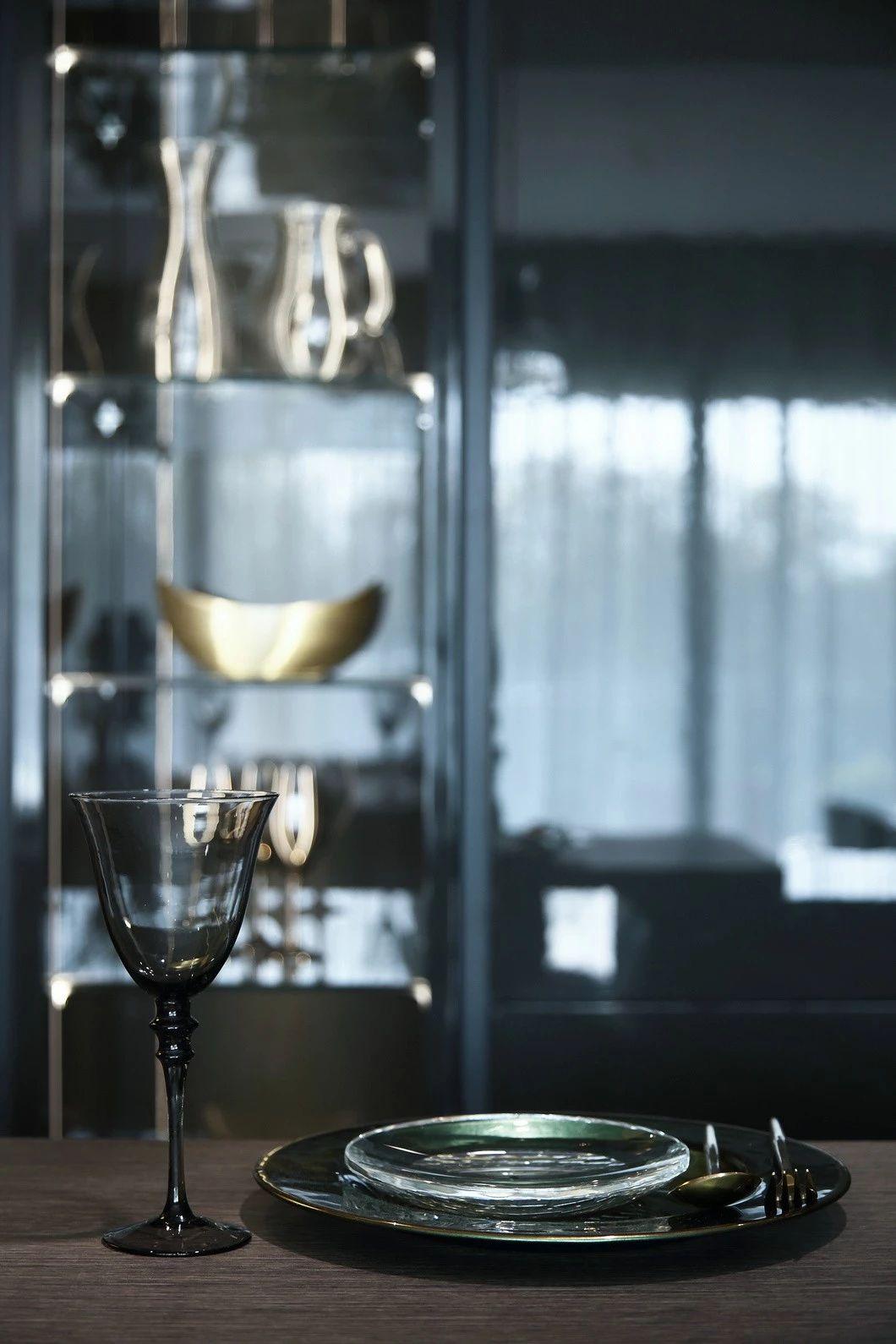 轻奢 混搭 全案设计 鹏友百年 重庆家装 定制家装 实木 厨房图片来自鹏友百年装饰在灰色调轻奢的分享