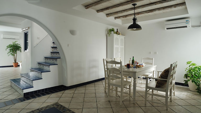 客厅 餐厅图片来自今朝宜居装饰在地中海风格设计理念的分享