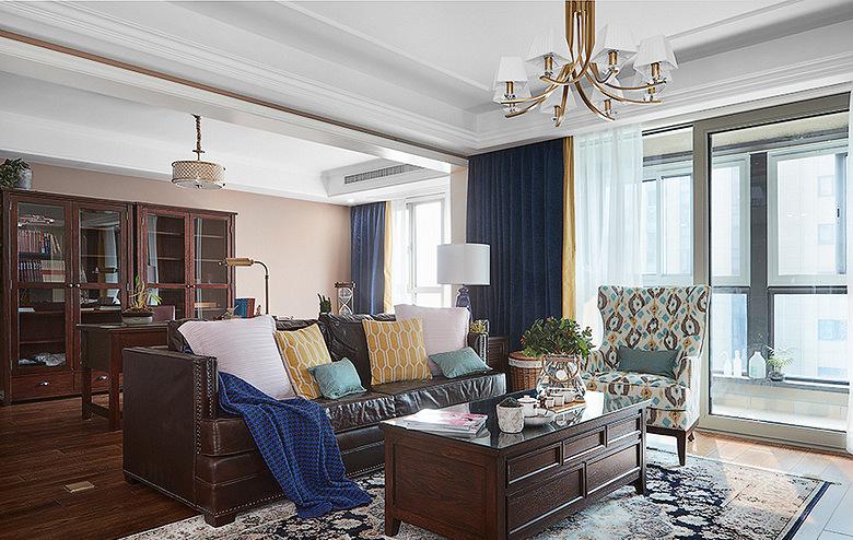 客厅图片来自家装大管家在轻盈典雅 109平美式精致舒适3居的分享