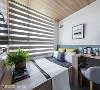 靠窗的床置 另一间卧房,床选择以靠窗方式安置,尽可能让屋主拥有舒适的睡眠品质。