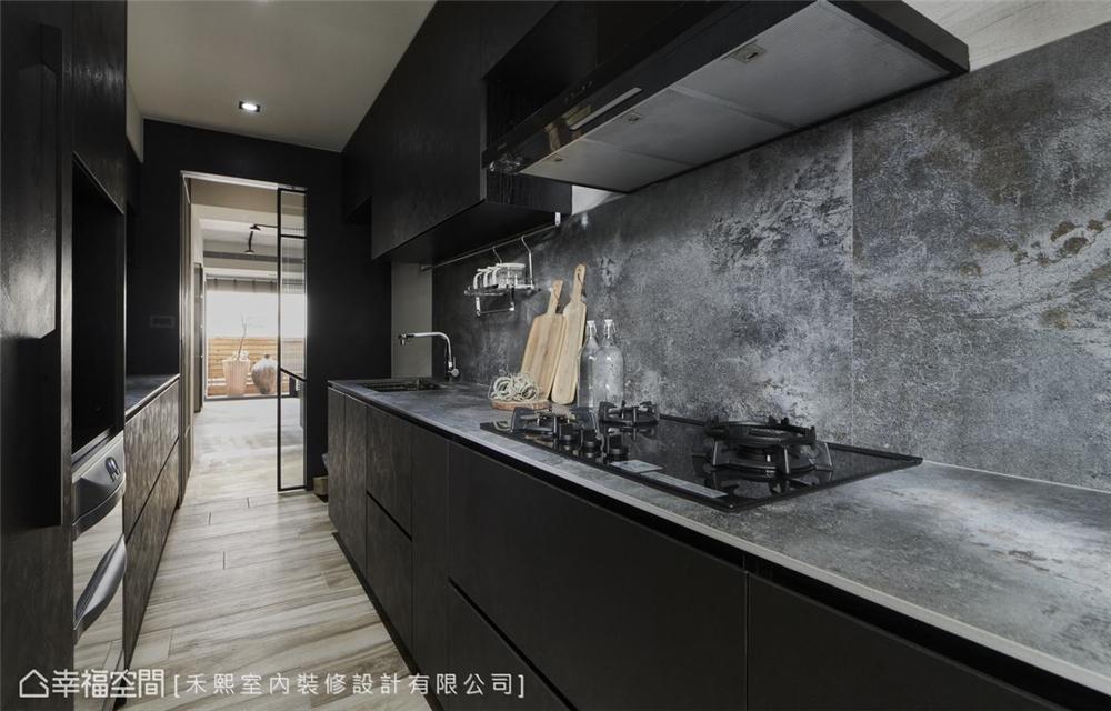 装修设计 装修完成 混搭风 标准格局 厨房图片来自幸福空间在102平,水泥灰韵间,漫染简美的分享