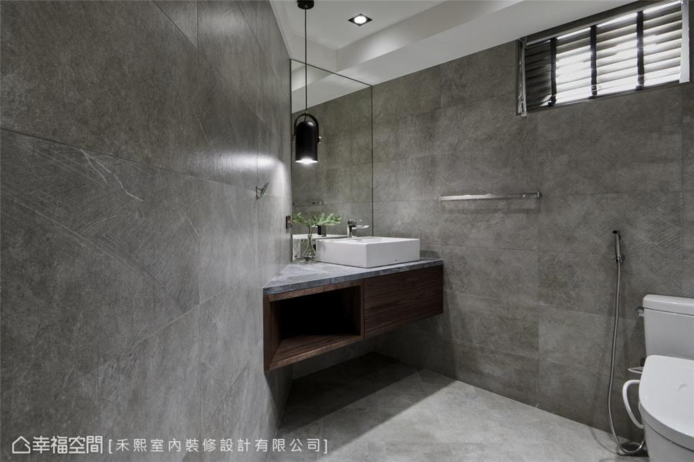装修设计 装修完成 混搭风 标准格局 卫生间图片来自幸福空间在102平,水泥灰韵间,漫染简美的分享