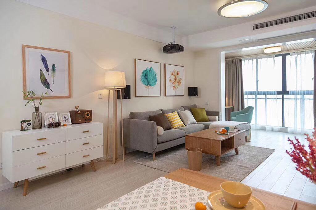 二居 简约 客厅图片来自快乐彩在水清花都83平两室两厅一卫的分享