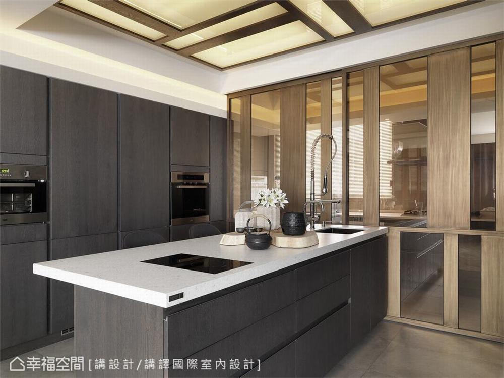 装修设计 装修完成 现代风格 厨房图片来自幸福空间在231平,优雅灰紫调景观宅的分享