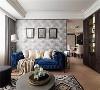 古典富丽 沙发墙面采用古典壁纸,搭配复古画框与蓝色绒布沙发,就连地毯也印着细致图腾,展现出富丽的古典韵味。