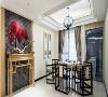 餐区与客厅的连接处采用了具有浓烈中式风味的青砖与红扇的搭配,使典雅古朴的氛围呼之欲出。而卧室和餐厅采用了简约和现代的装饰风格,更注重功能性和安静的氛围。