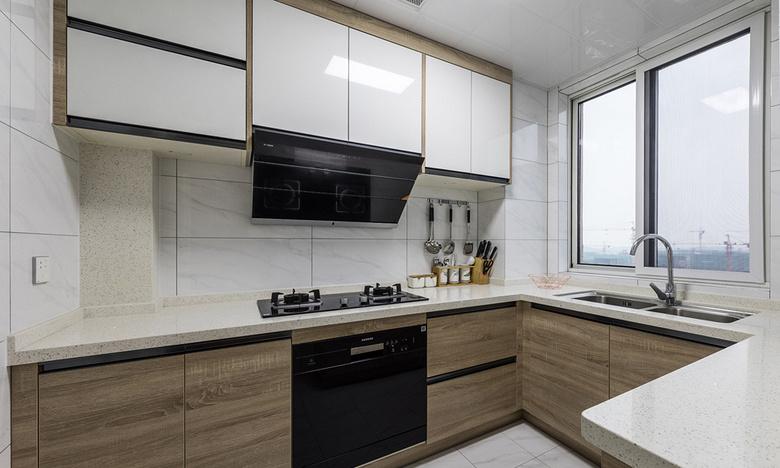 厨房图片来自家装大管家在一眼就爱上 89平时尚北欧混搭家的分享