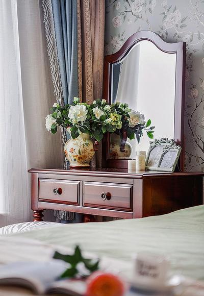 卧室图片来自家装大管家在101平简约美式3居 细腻美妙之家的分享
