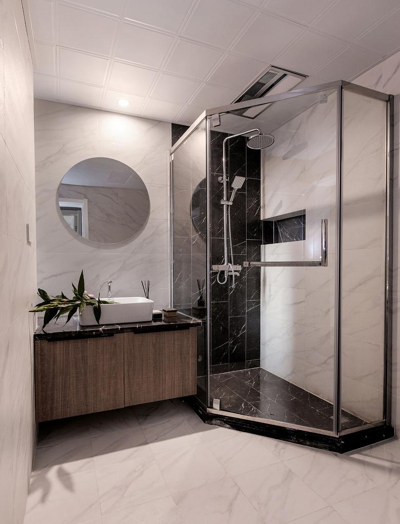 卫生间图片来自家装大管家在静谧穿越 138平混搭中式雅致3居的分享