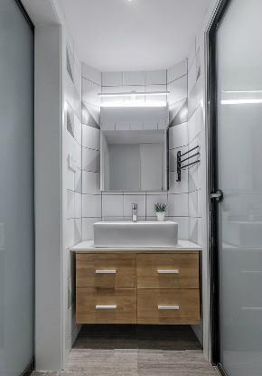 欧式 三居 收纳 旧房改造 80后 卫生间图片来自北京今朝装饰在80㎡北欧风格三居室 的分享