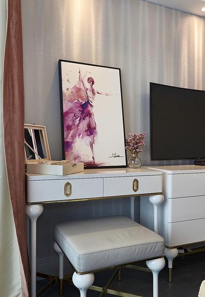 卧室图片来自家装大管家在内敛的奢华 128平现代简洁3居室的分享
