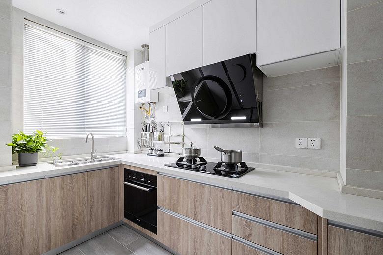 厨房图片来自家装大管家在简约明快 116平台式简约时尚3居的分享