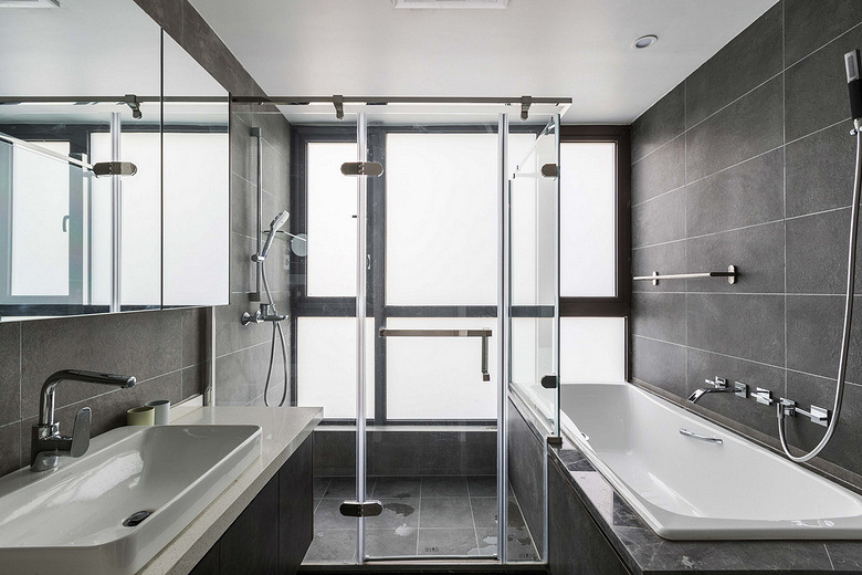 卫生间图片来自家装大管家在简约明快 116平台式简约时尚3居的分享