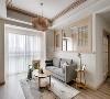 金茂珑悦客厅装修,客厅全铺的木地板,看起温馨自然,可以让归家的居者有彻底放下压力的感觉。