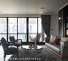 赏景阳台 除了可从室内轻松赏读窗外景致,也可移步至户外阳台享受与大自然零距离的亲密接触。