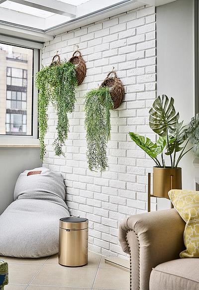 阳台图片来自家装大管家在自由与贵气 96平美式轻奢两居室的分享