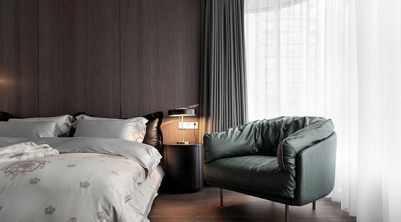 卧室图片来自家装大管家在时尚年轻 118平黑白现代简约3居的分享