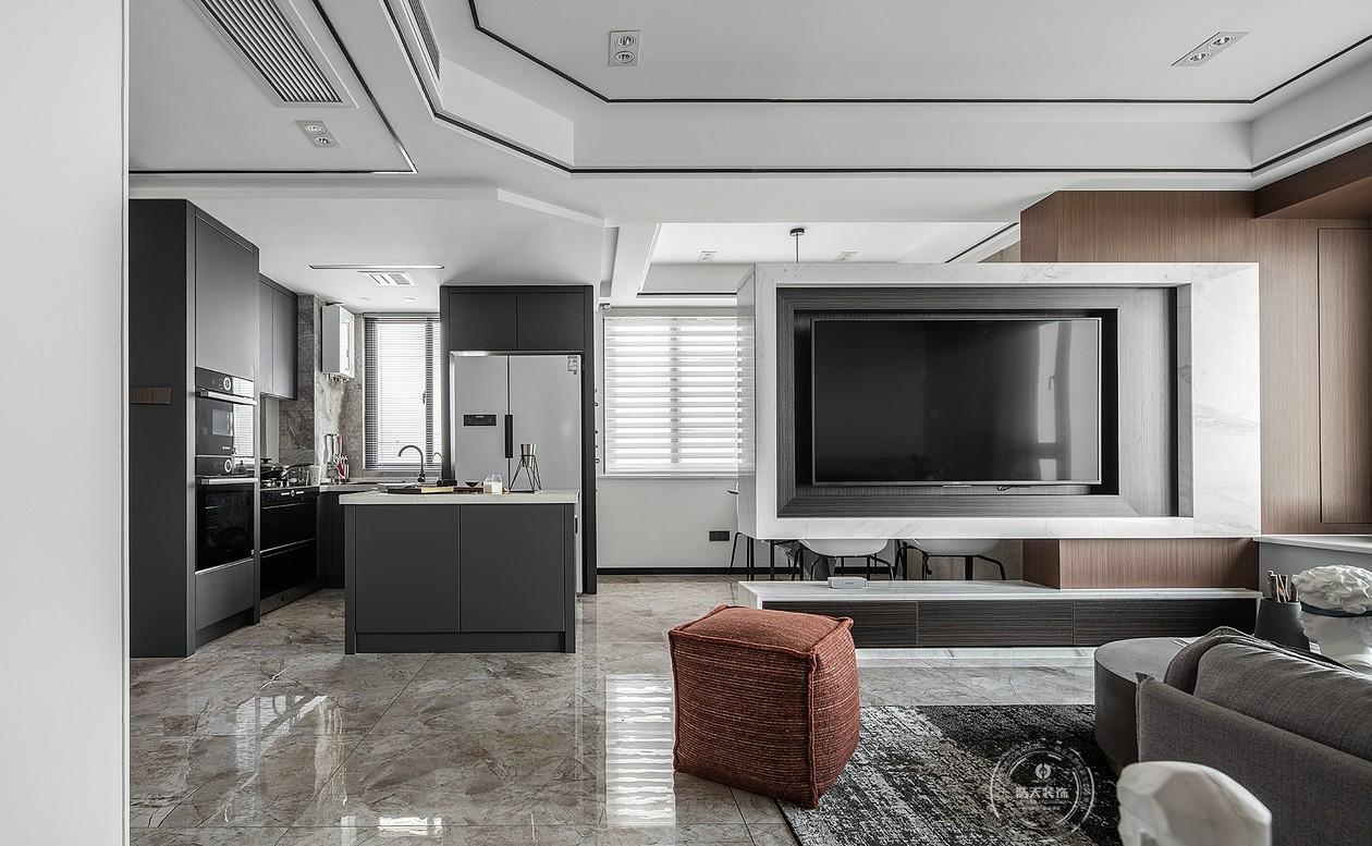 简约 收纳 旧房改造 80后 小资 客厅图片来自深圳浩天装饰在丰华苑现代风格装修实景毕业照的分享