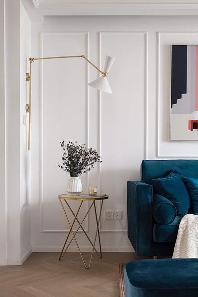 客厅图片来自家装大管家在色彩明艳 105平现代简约时尚3居的分享