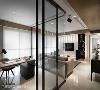 层次堆叠 天花板也是空间设计的一环,透过不同的材质与高低差自然地创造出层次感。