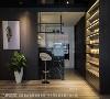 落地吧台 厨房吧台采用顶级大理石建材黑白根,沉稳又带低调奢华感,将场域强调的高质感展现恰如其分。